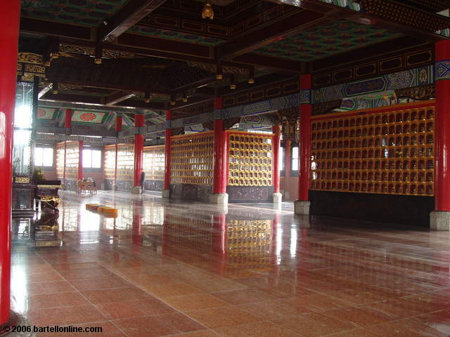 Cases holding arhats in the Hall of 500 Arhats at Wenshu monastery in Chengdu, Sichuan, China